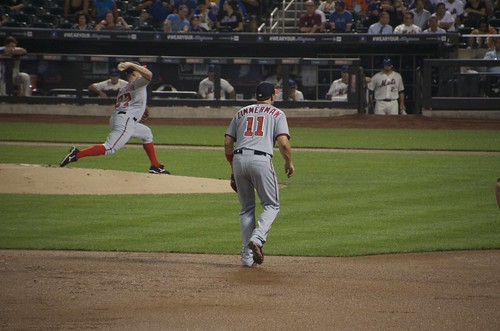 プレッシャーをかける野手