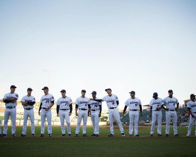 野球チームの集合写真